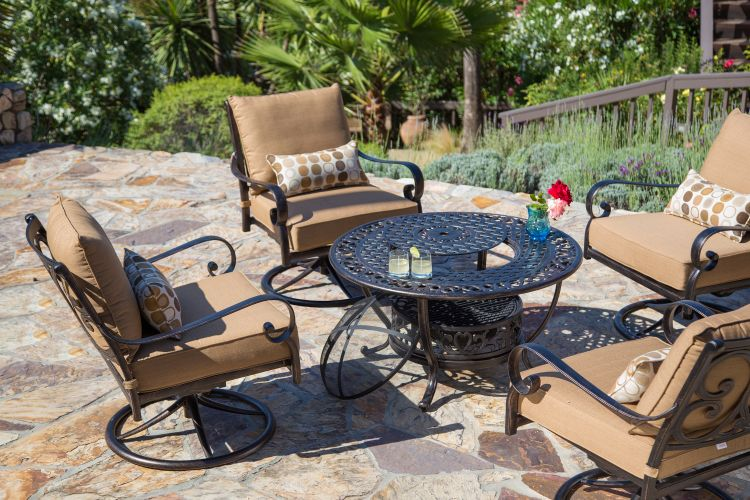 Ensemble jardin 5 pièces avec table foyer